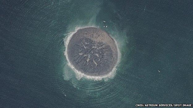 """الأقمار الاصطناعية تقيس حجم """"جزيرة الزلزال"""" التي ظهرت مؤخرا في باكستان"""