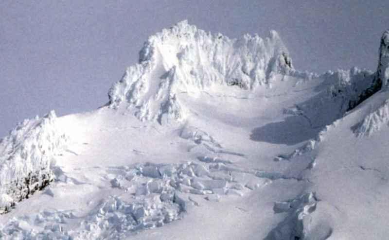 ماذا يحدث عندما يثور بركان مدفون تحت الجليد