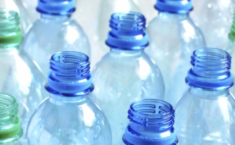 قوارير المياه البلاستيكية ترتبط بارتفاع ضغط الدم