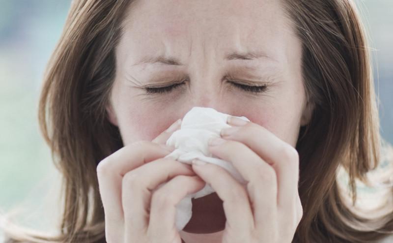 كيف تميز بين الإصابة بالبرد والحساسية
