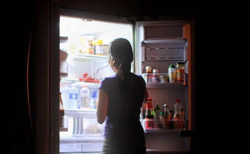 تناول الطعام في أوقات محددة يمنع زيادة الوزن
