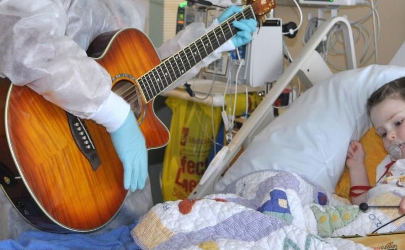 أغاني الأطفال تساعد على تخفيف آلامهم