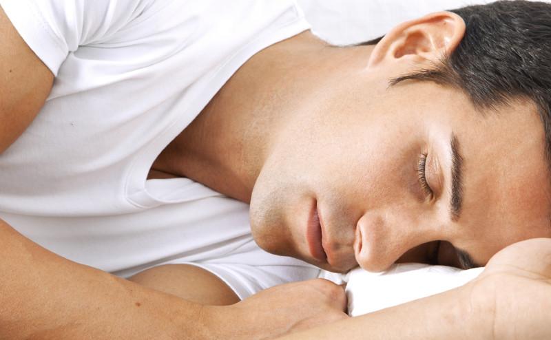 النوم لفترات طويلة قد يكون بمثابة إنذار لحدوث سكتة دماغية