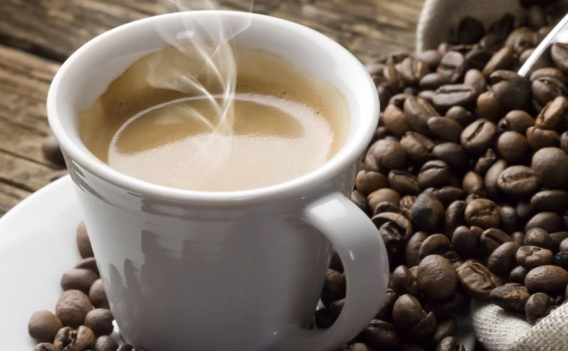 تناول القهوة يقلل من مخاطر الإصابة بسرطان الجلد