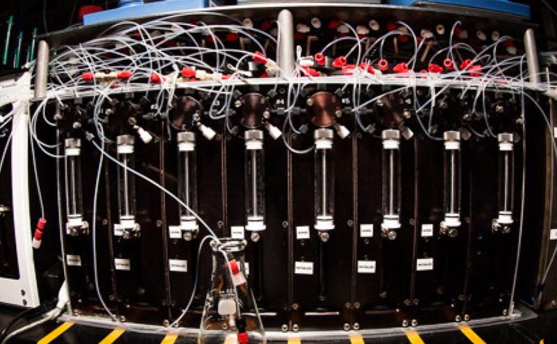 طابعة كيميائية ثلاثية الأبعاد يمكنها تركيب المركبات المعقدة