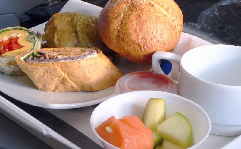 ماهو سبب رداءة الأطعمة على متن الرحلات الجوية؟