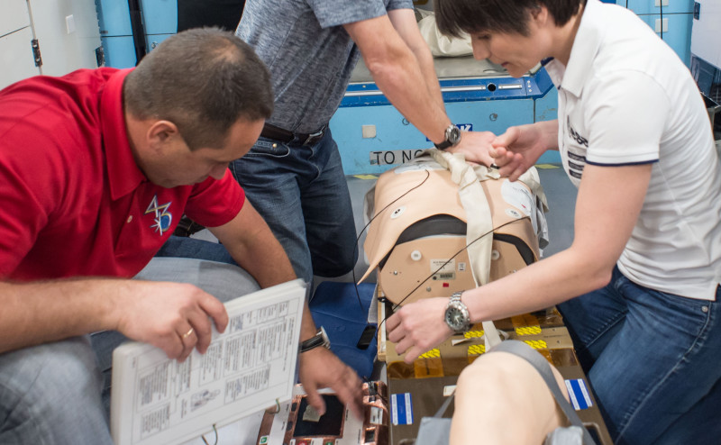 التعامل مع الحالات الطبية الحرجة في المهام الفضائية