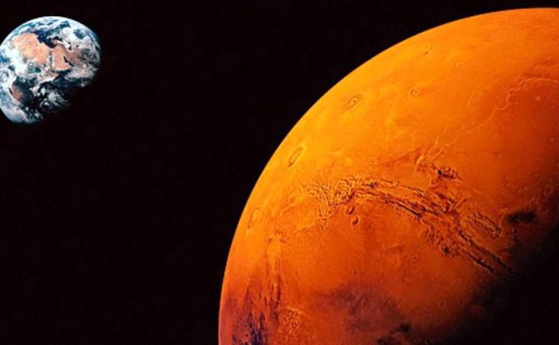 وجود الماء بشكله السائل على سطح المريخ