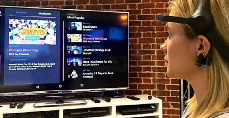 تلفاز يغير القناة عن طريق التفكير فقط!