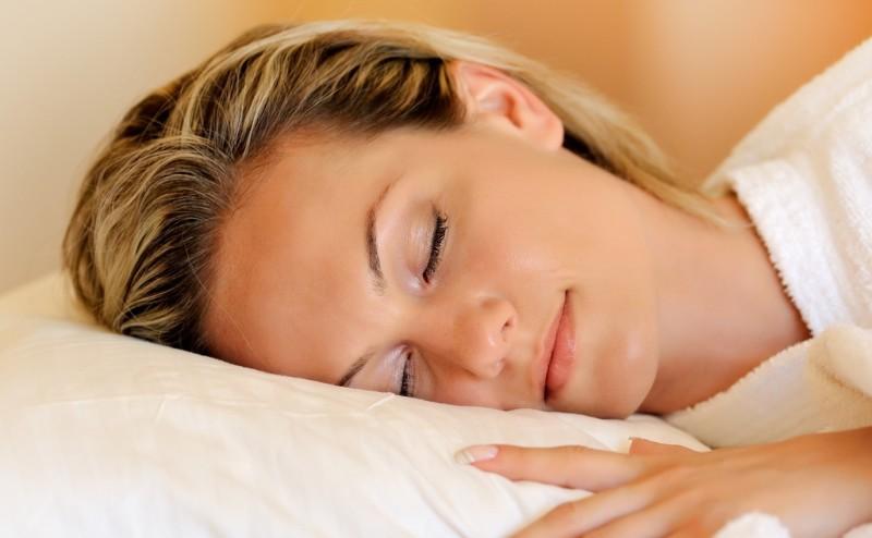 لماذا ينام الرجال بشكل أفضل من النساء؟