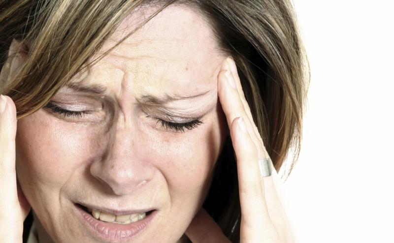 8 علاجات منزلية للتخفيف من الصداع
