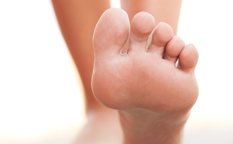 رائحة الأقدام الكريهة تجذب البعوض الحامل للملاريا