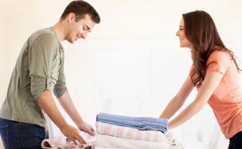 تقاسم مهام الحياة الزوجية يحسن من نوعية الحياة الجنسية