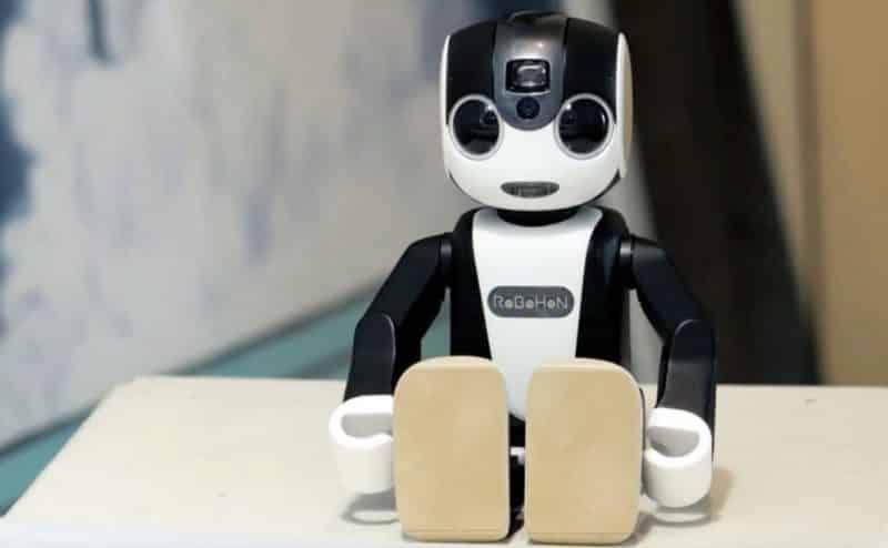روبوهون: هاتف ذكي وإنسان آلي في نفس الوقت