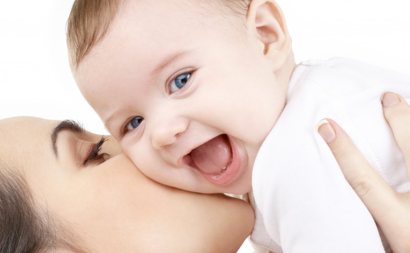 الحمل والإنجاب يقلل من خطر الإصابة بسرطان المبيض