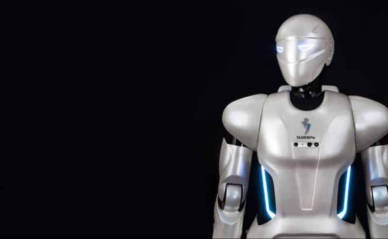 إيران تطلق روبوتاً شبيهاً بالإنسان