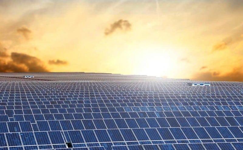 """أكبر مزرعة """"عائمة"""" للطاقة الشمسية في العالم، مرحبًا بكم في اليابان!"""