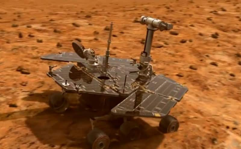 """بدلًا من أن تصمد 90 يومًا فقط، """"أبورتيونيتي"""" تحتفل بعيد ميلادها ال12 على المريخ"""