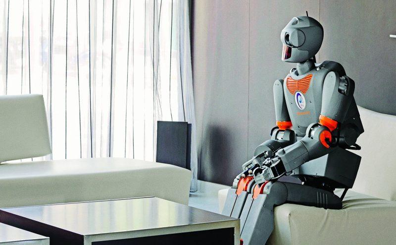 لا تضحكي أيتها الروبوتات بعد .. دراسة تكشف تعادل البشر مع الآلة في الجراحة