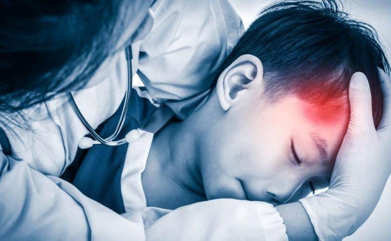 احذروا !!! ضربة خفيفة على رأس الطفل قد تؤثر عليه مدى الحياة