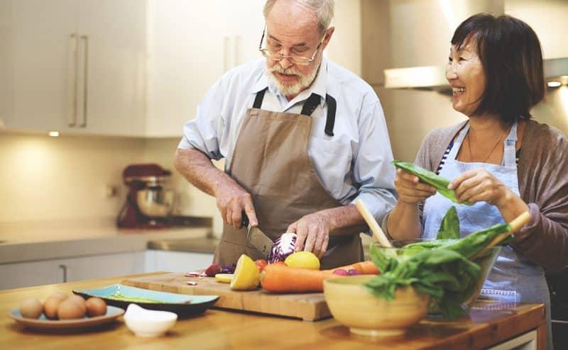 تبعاً للعلم، الأزواج الذين يطبخون سوياً يبقون معاً لفترة أطول!
