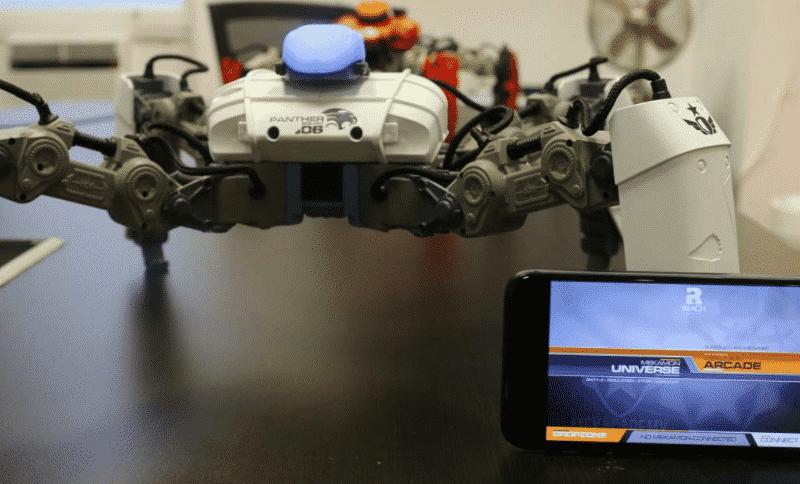 روبوت على شكل عنكبوت يحارب في معارك إفتراضية! ( فيديو )