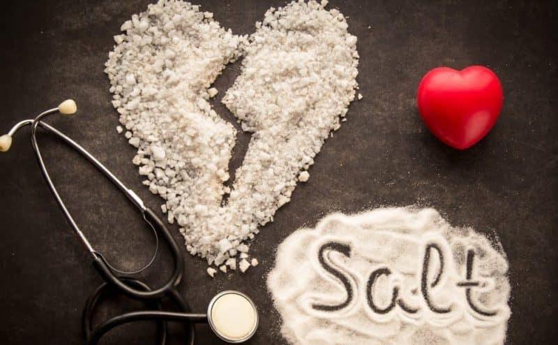 فوائد غير مؤكدة لمعالجة قصور القلب بإتباع نظام غذائي قليل الملح