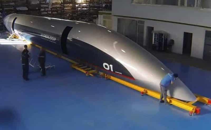أول كبسولة نقل ركاب فائقة السرعة في العالم