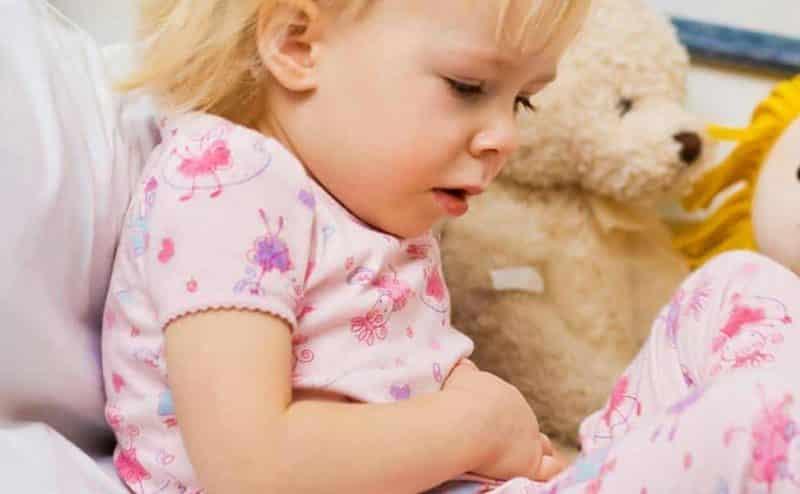طفلك يعاني من القيء والغثيان ! إذًا فما المشكلة؟