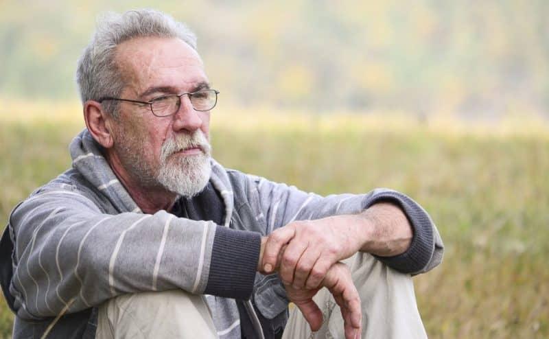 لماذا قد يموت الرجال في سن مبكر ؟