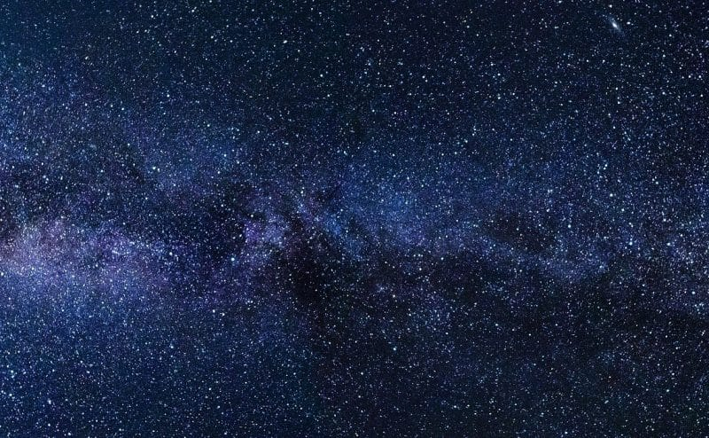 ما الذي يجب أن تعرفه عن حياة النجوم