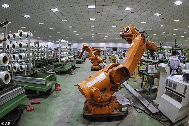 """الروبوتات تتولى الوظائف التي يعتبرها البشر """"مملة"""""""