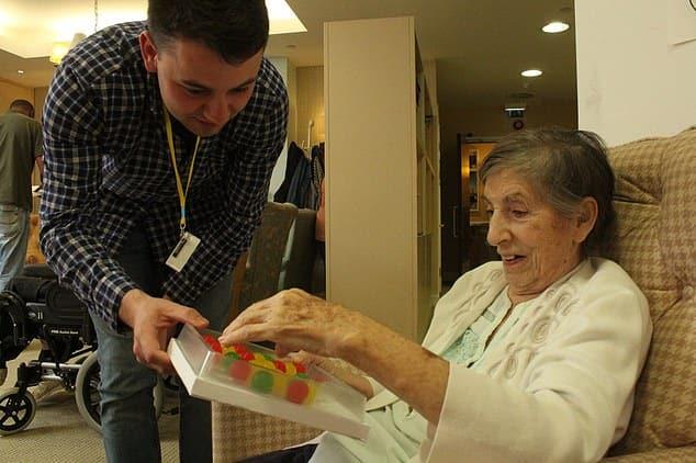 مرضى الخرف يستفيدون قريبا من تطبيق يذكرهم بكيفية القيام بمهام بسيطة