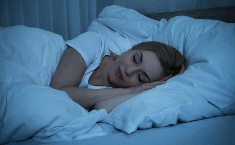 """النوم الجيد ليلاً يساعدك على نسيان """"المواقف المحرجة"""""""