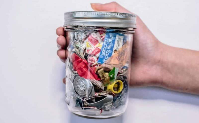 كم قطعة بلاستيك تأكل يومياً؟ هذه الدراسة البريطانية صادمة