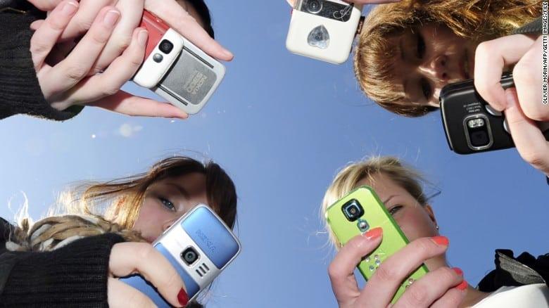 زيادة استخدام وسائل الإعلام الاجتماعية ترتبط بارتفاع أعراض الاكتئاب لدى المراهقين