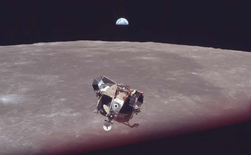 إعادة إحياء هبوط أبولو 11 في صور