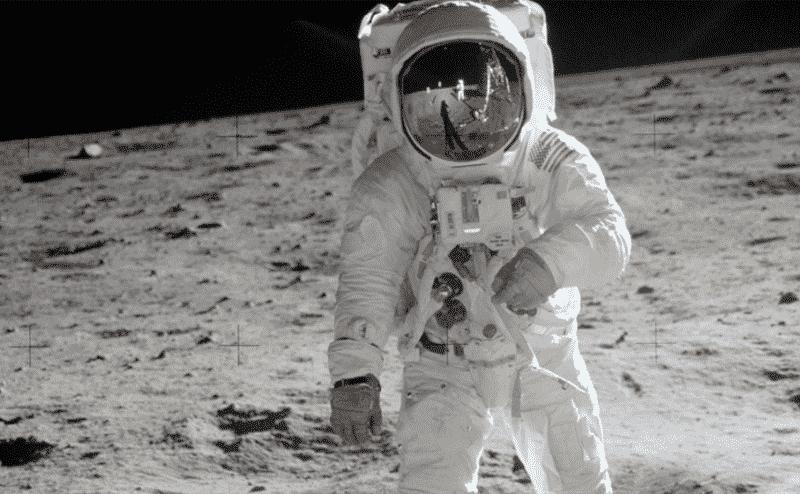 ماتوا في سبيل الهبوط علي القمر .. كيف يقود الفشل أحيانا لنجاح مذهل