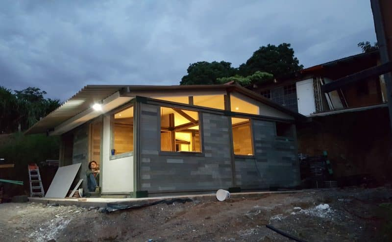 شركة كولومبية تبني منازل باستخدام طوب البلاستيك المعاد تدويره