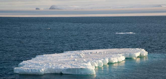 الجليد البحري يختفي في مياه ألاسكا