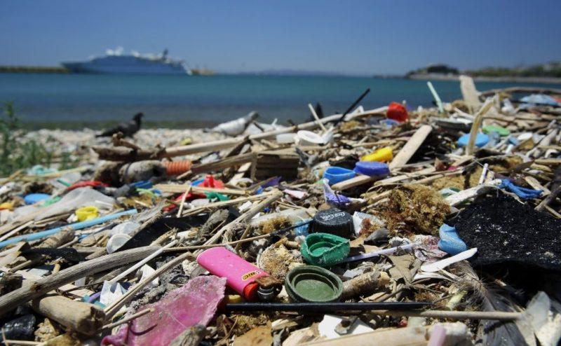 البحر الأبيض المتوسط: أحد أكثر البحار تلوثا في العالم بالنفايات البلاستيكية