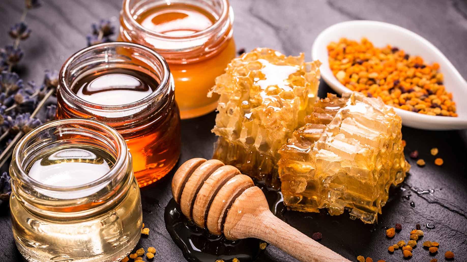 عن فوائد العسل وشمع العسل
