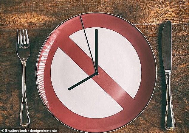 الصيام لمدة 24 ساعة مرة واحدة شهريا يطيل عمر مرضى القلب