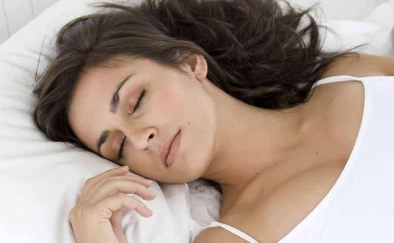 إذا كنت تنام أكثر من 9 ساعات فأنت أكثر عرضة بنسبة 23٪ للجلطة الدماغية