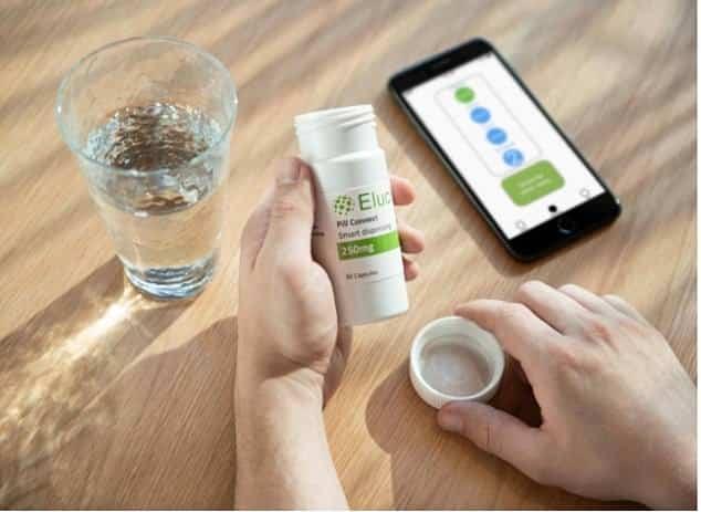 """قارورة دواء ذكية متصلة بتطبيق الهاتف المحمول تذكر المرضى بتناول دوائهم فهل هي """"موثوقة بنسبة 100٪""""؟"""
