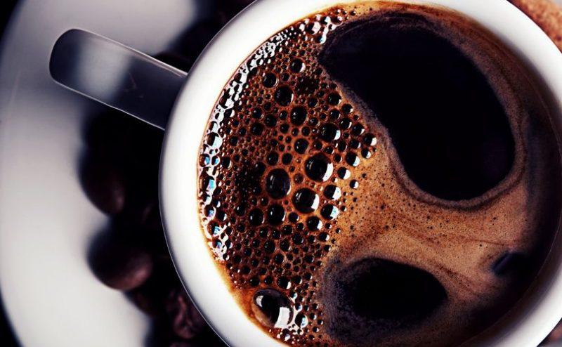 """كوب قهوتك الصباحي يقيك من الإصابة بـ""""مرض باركنسون والزهايمر"""""""
