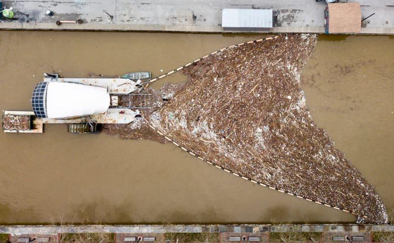 أربعة مشاريع تحاول منع البلاستيك من الوصول إلى المحيط