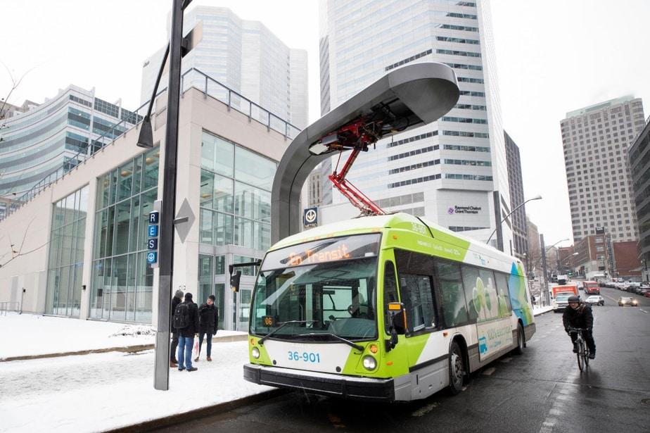 كندا تودع الحافلات الملوثة قريبا من خلال أول خط باص كهربائي 100 ٪