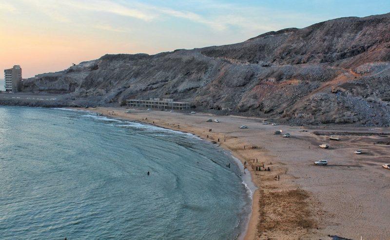 كيف يؤثر ارتفاع سطح البحر في عدن على الحياة هناك .. مخاطر كثيرة تبحث عن حل
